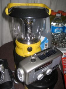 Crank lantern and flashlight radio