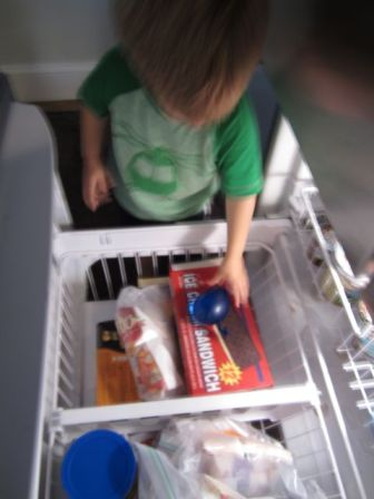 putting ballon in freezer